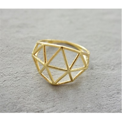 STRUCTURE RING IN GOLD