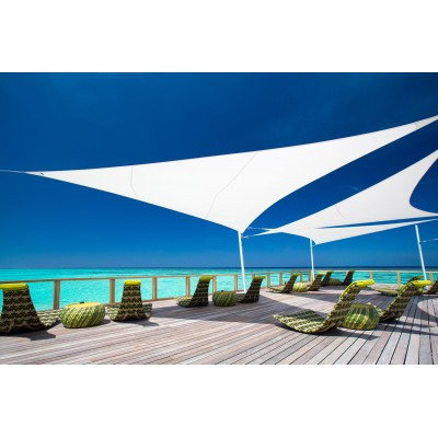 VOILE D'OMBRAGE TRIANGULAIRE 4x4x4m